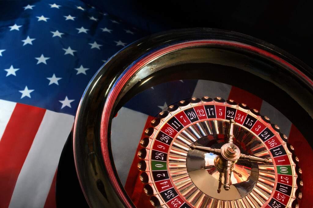 american roulette wiel met een amerikaanse vlag